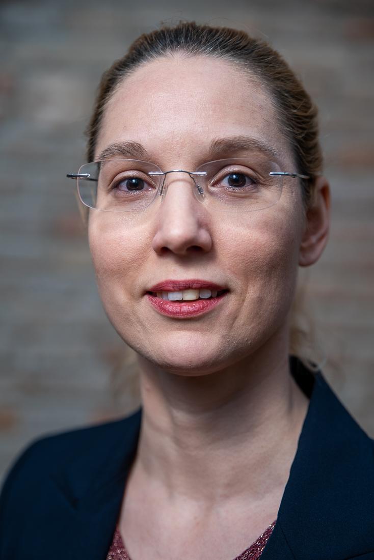 Anna-Patricia Messner - diplomierte Tanzmeisterin, staatlich geprüfte Tanzlehrerin Paarkurse Slow Fox, Technik,...