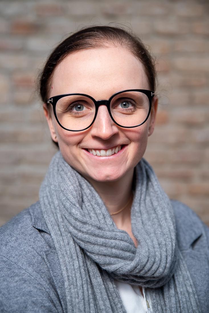 Babette Lemberger - Staatlich geprüfte Tanzlehrerin Jugend-, Studenten- und Paarkurse Juniorchefin